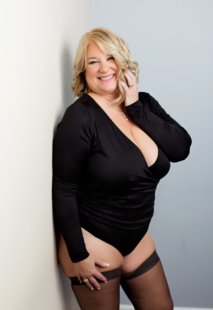Plus size boudoir photography in Chicago